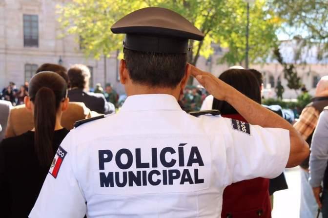 Policía de Morelia impide suicidio de un menor