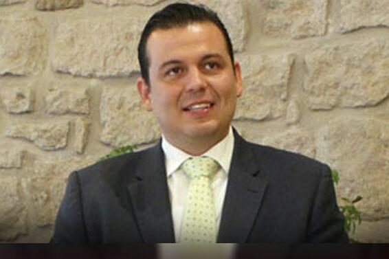 Enrique Ochoa viajó en jet privado para jugar golf en Morelia, denuncia Guillermo Valencia