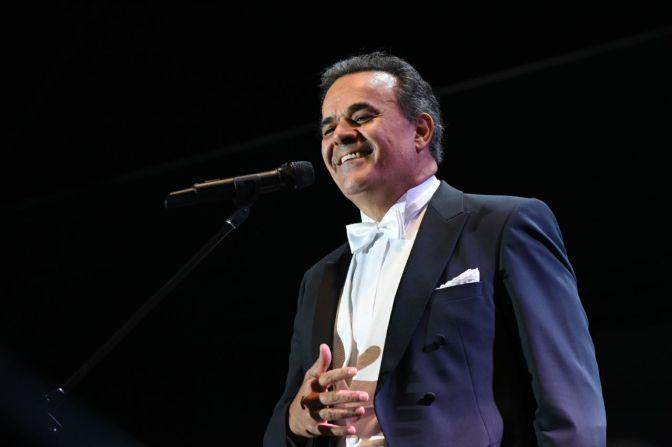 Cautiva Fernando de la Mora con su privilegiada voz en la Expo Fiesta Michoacán 2018