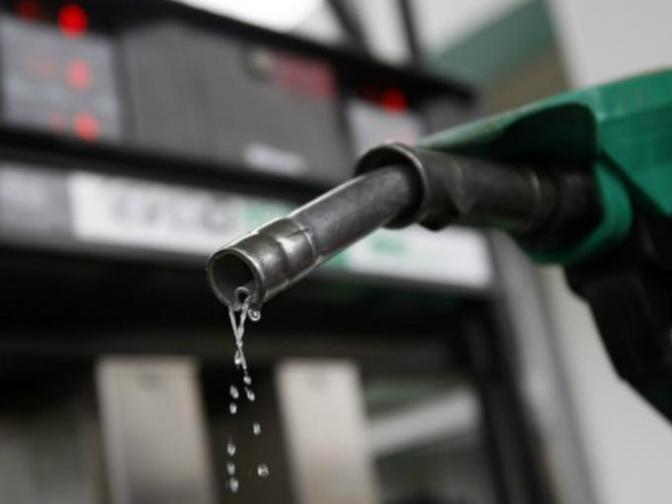 Sí habría aumentos en las gasolinas durante el sexenio de AMLO