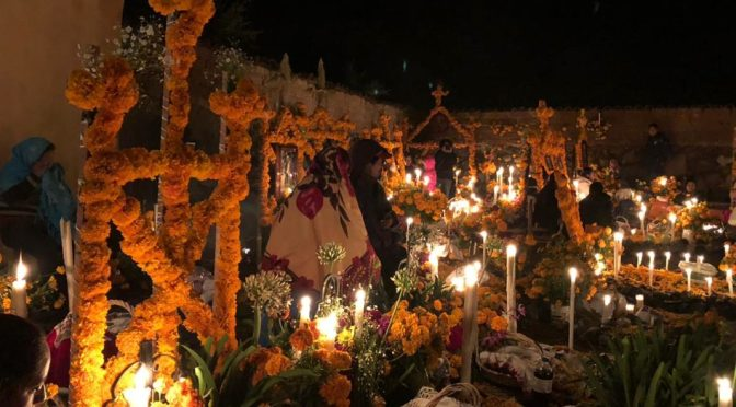 Buscan ordenar visita a panteones en Noche de Muertos en Michoacán