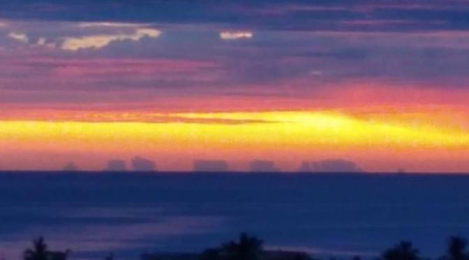 """Aparece """"ciudad flotante"""" en playa de Baja California Sur [Video]"""