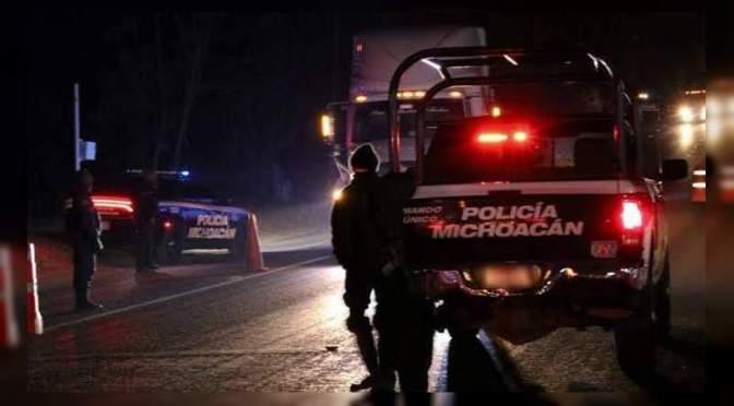 Riña entre policías y comuneros en Zitácuaro, Michoacán deja varios heridos y 3 detenidos