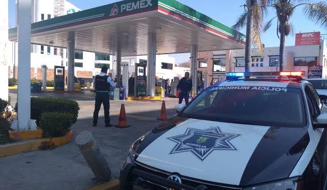 Asaltante despoja de 8 mil pesos a una mujer afuera de un banco de Morelia